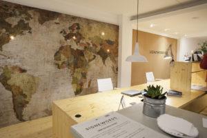 Multilingual communication services Signewords